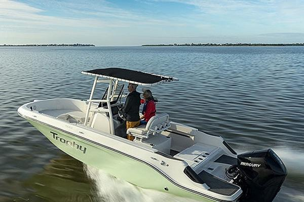 2022 Bayliner boat for sale, model of the boat is T22CC & Image # 12 of 27
