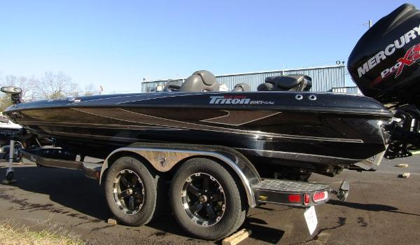 2018 Triton boat for sale, model of the boat is 21 TRX & Image # 9 of 12