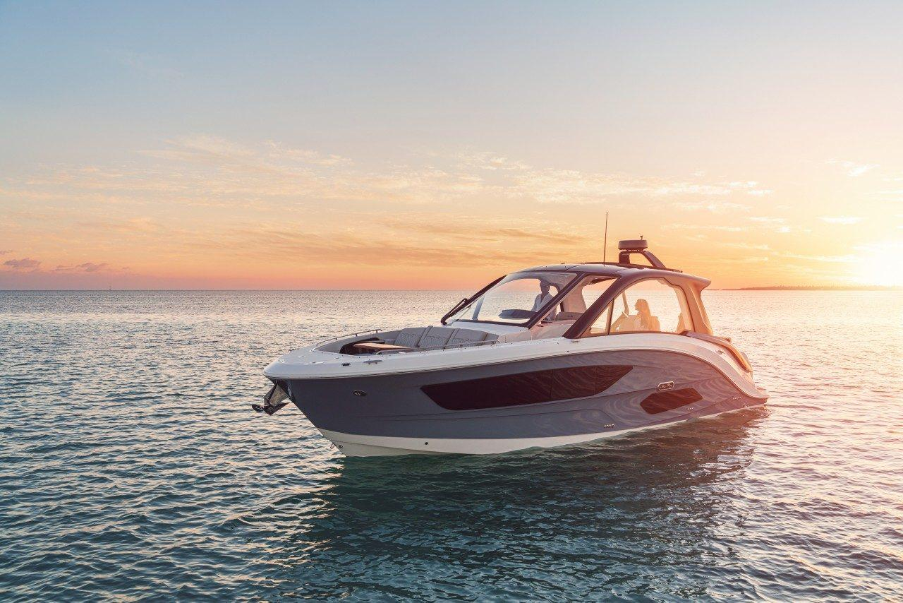 2022 Sea Ray 370 Sundancer Outboard #2488448 inventory image at Sun Country Coastal in Newport Beach