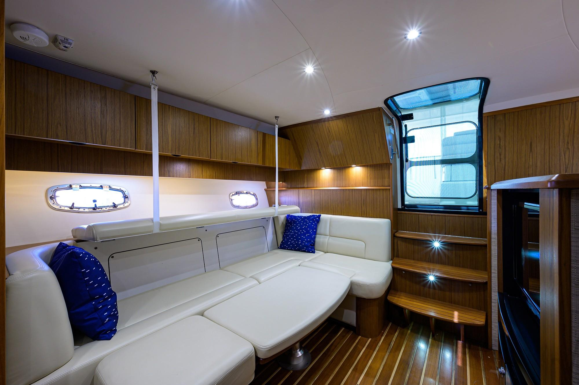 2014 39' Tiara Coronet