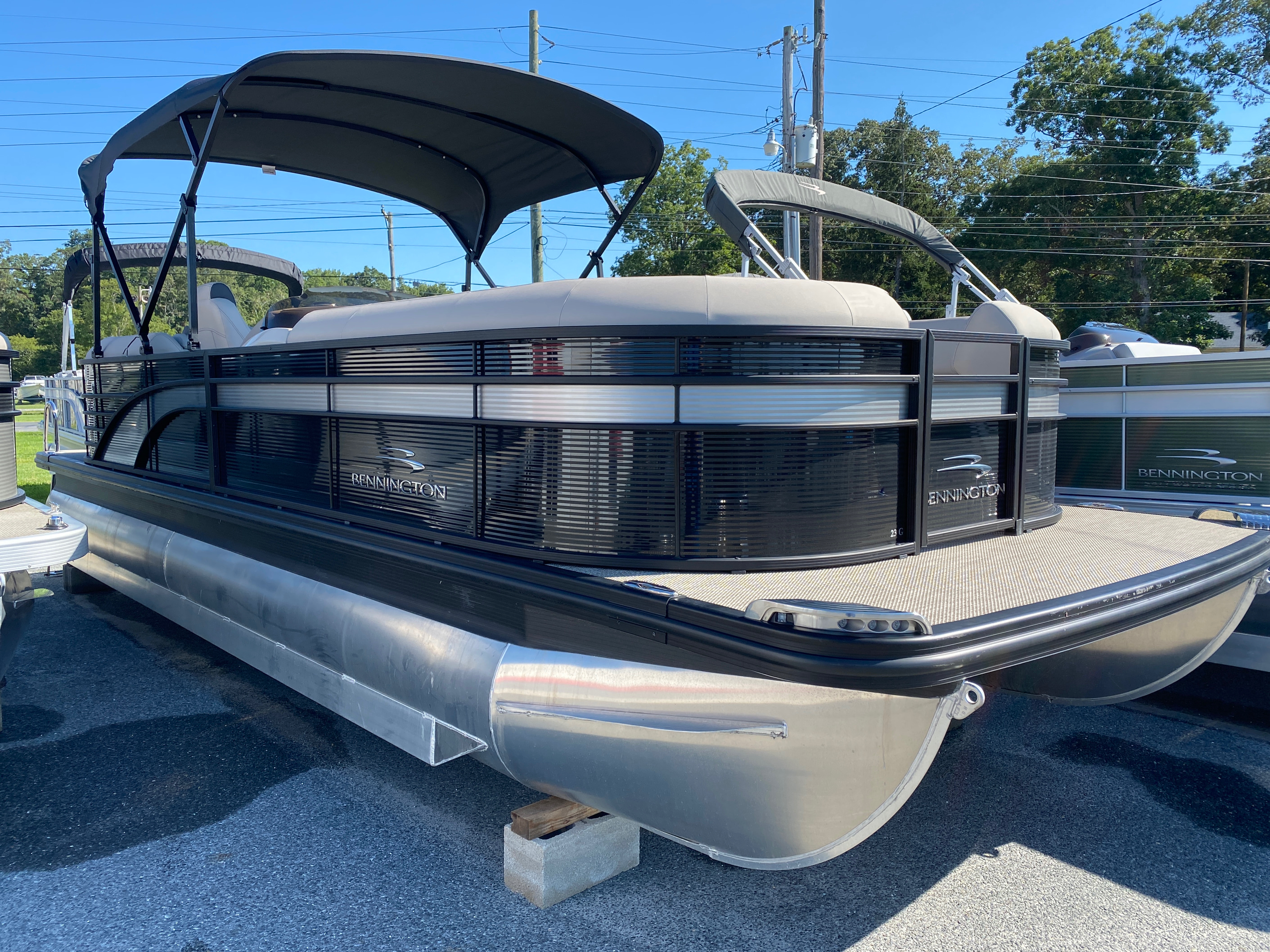 2019 Bennington boat for sale, model of the boat is 23 GSR & Image # 1 of 10