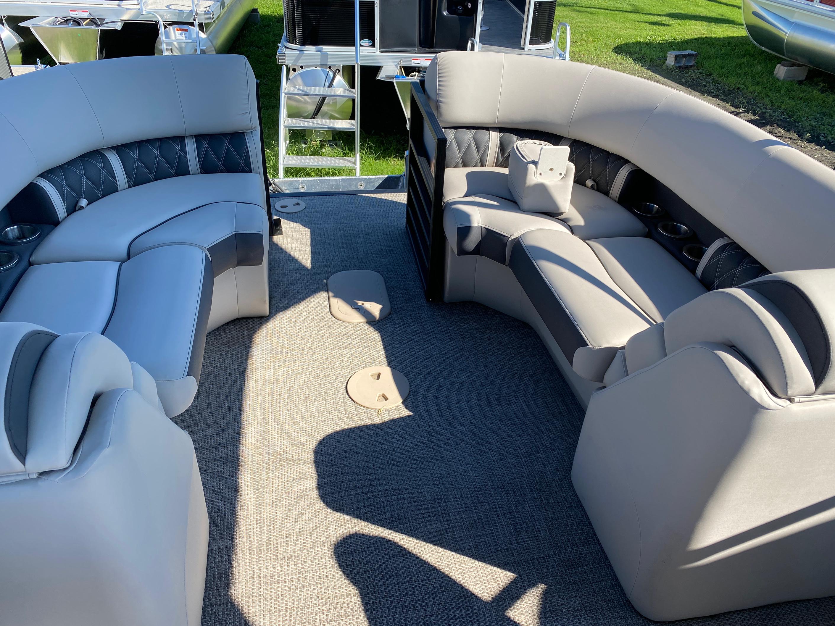 2019 Bennington boat for sale, model of the boat is 23 GSR & Image # 2 of 10