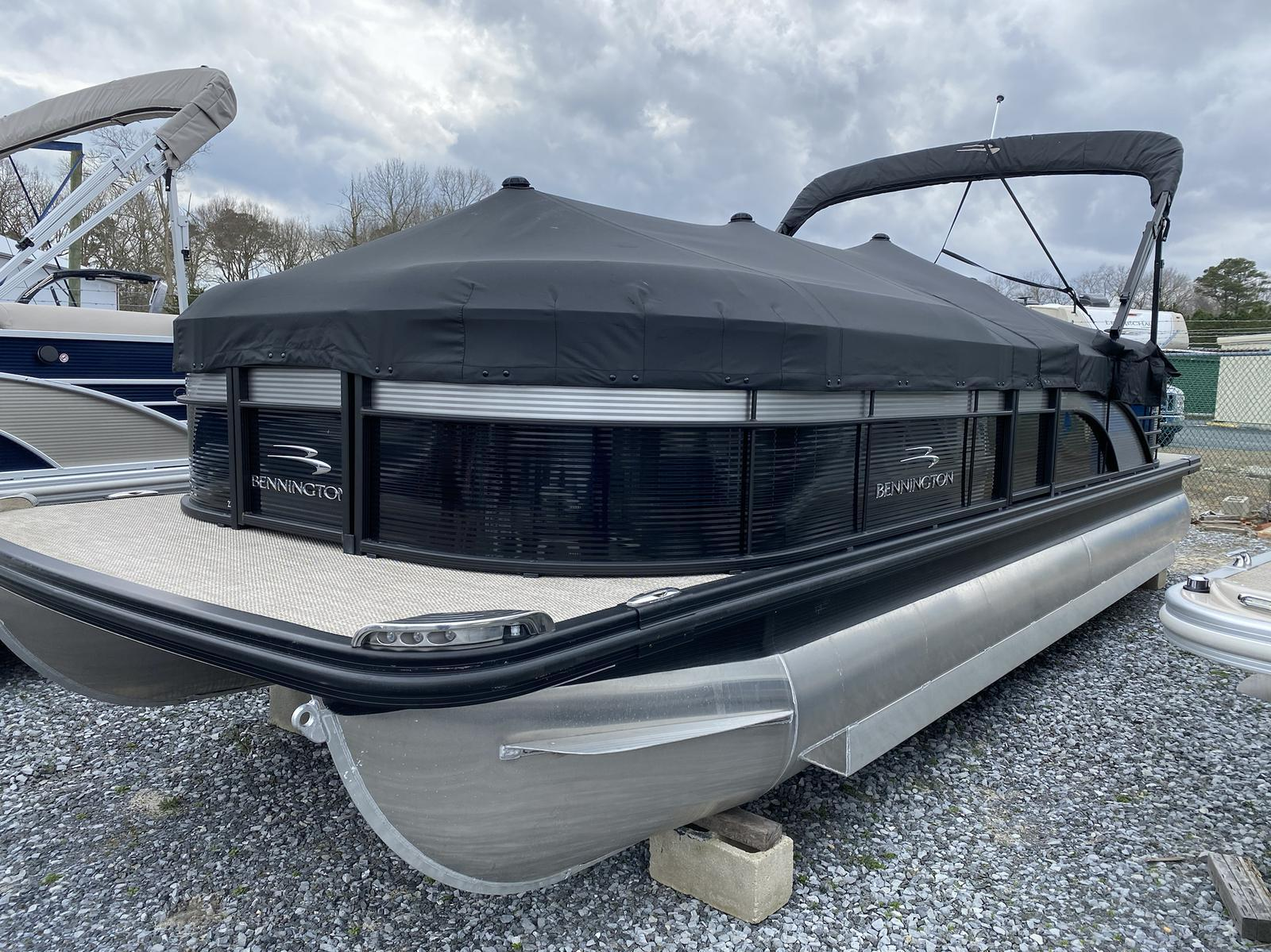2019 Bennington boat for sale, model of the boat is 23 GSR & Image # 3 of 10