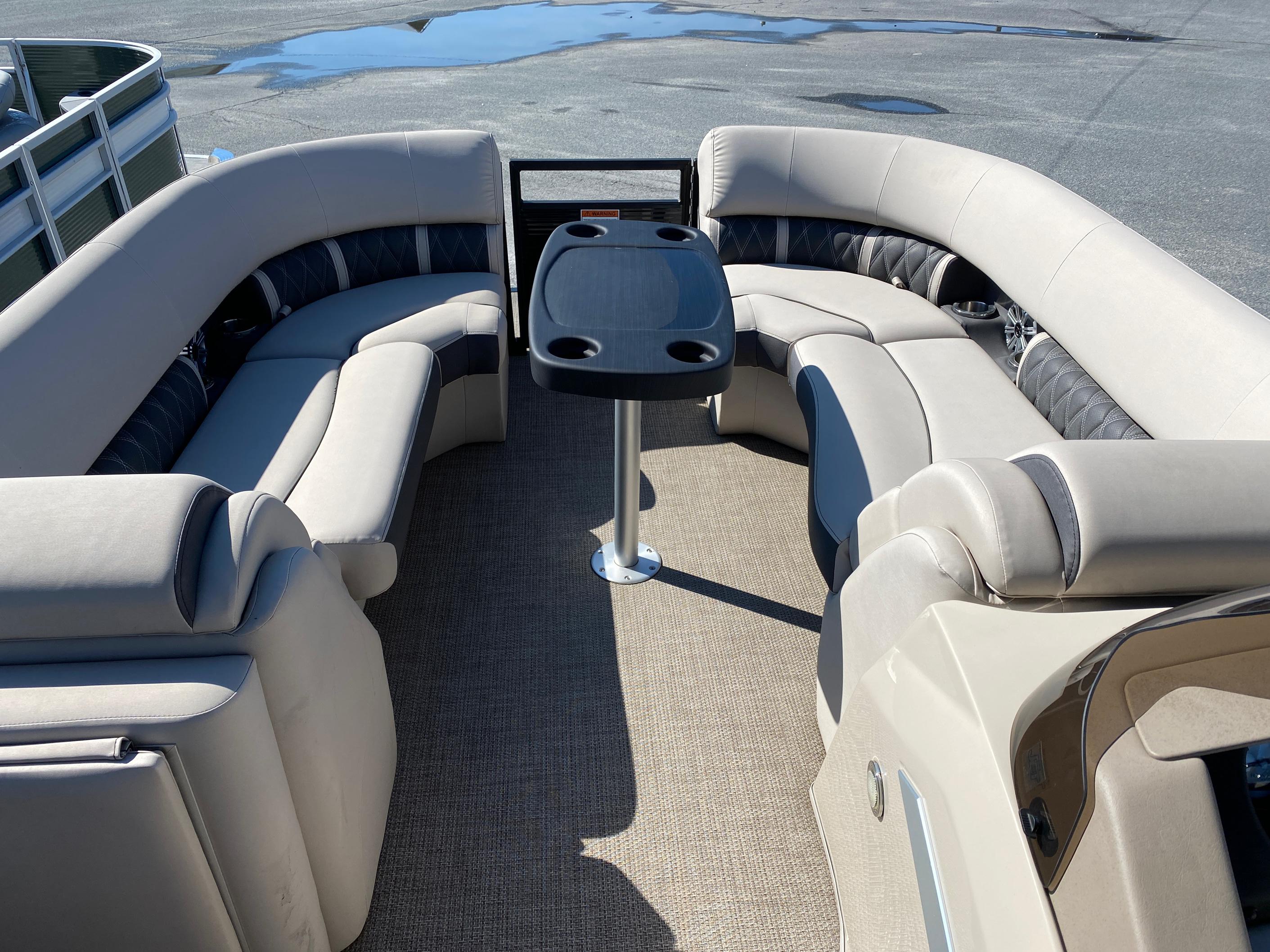 2019 Bennington boat for sale, model of the boat is 23 GSR & Image # 4 of 10