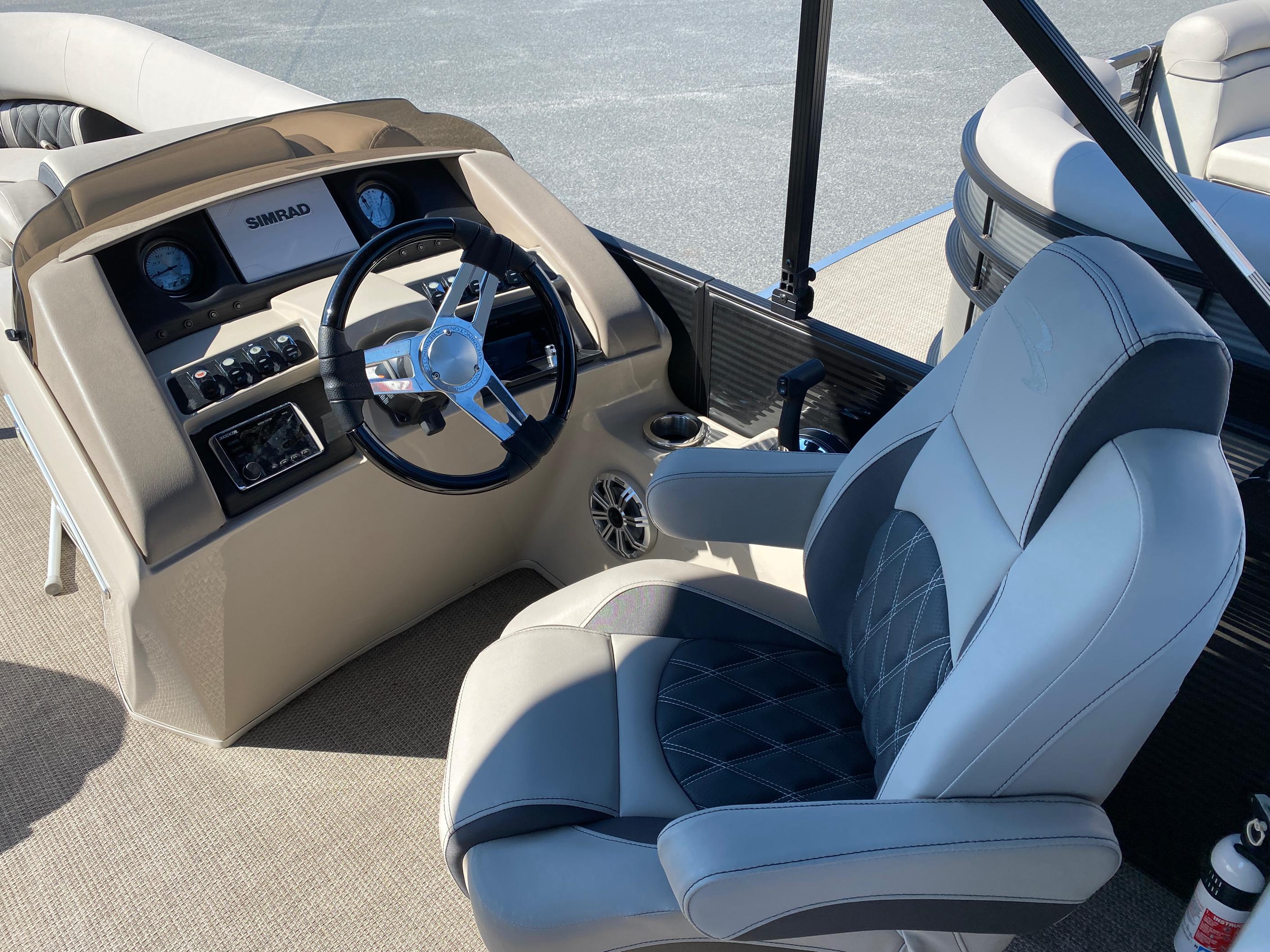 2019 Bennington boat for sale, model of the boat is 23 GSR & Image # 5 of 10