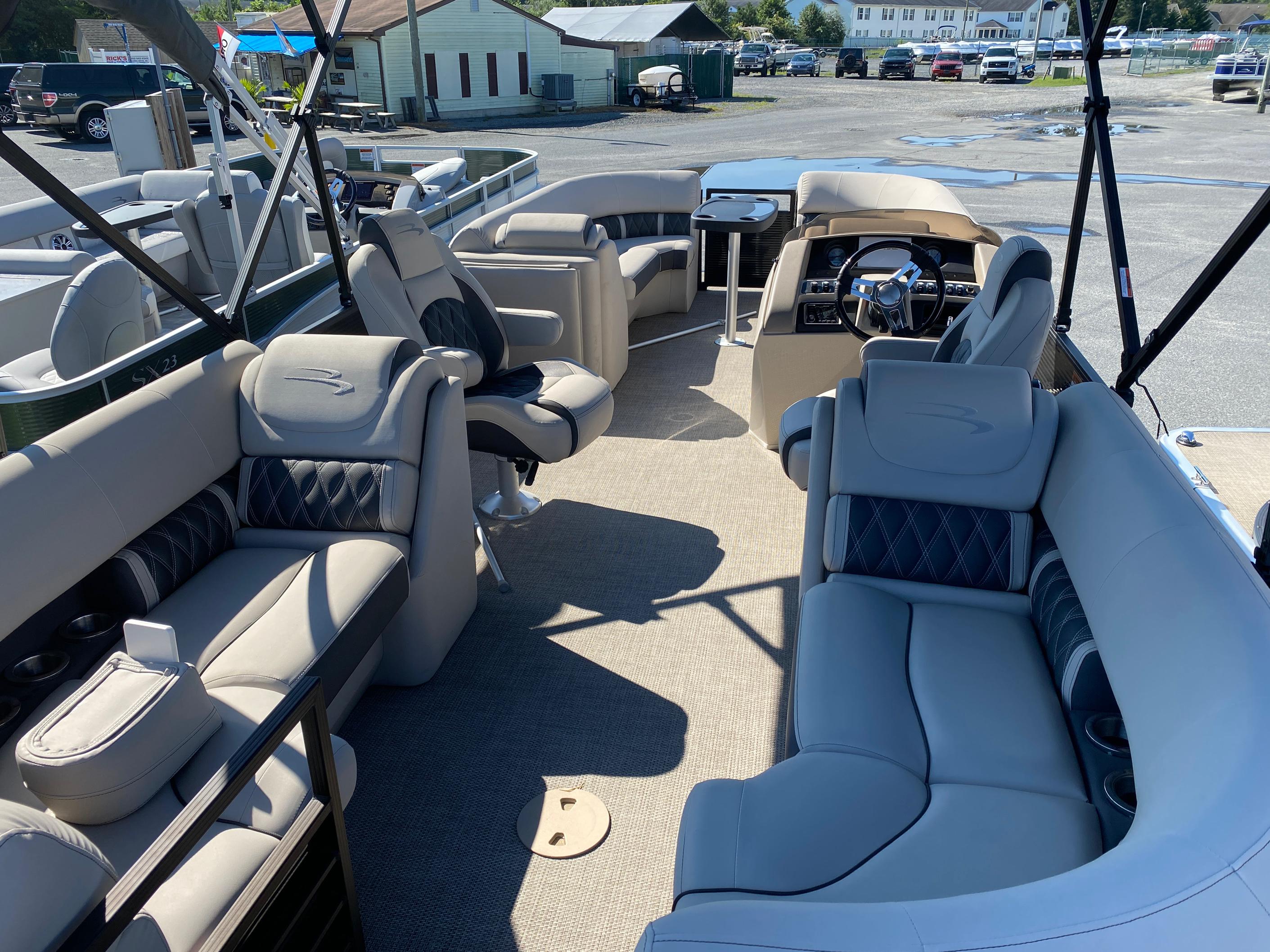 2019 Bennington boat for sale, model of the boat is 23 GSR & Image # 6 of 10