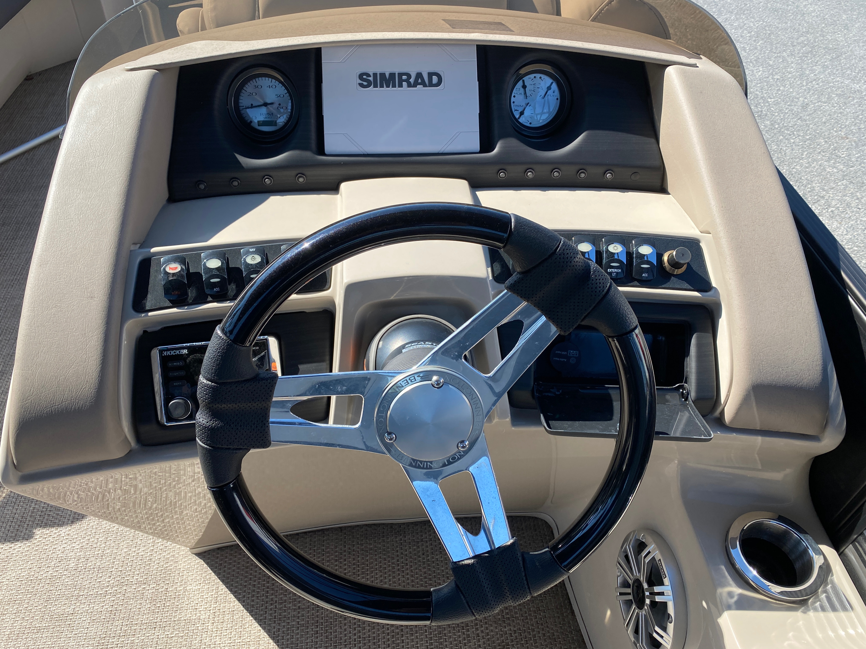 2019 Bennington boat for sale, model of the boat is 23 GSR & Image # 7 of 10