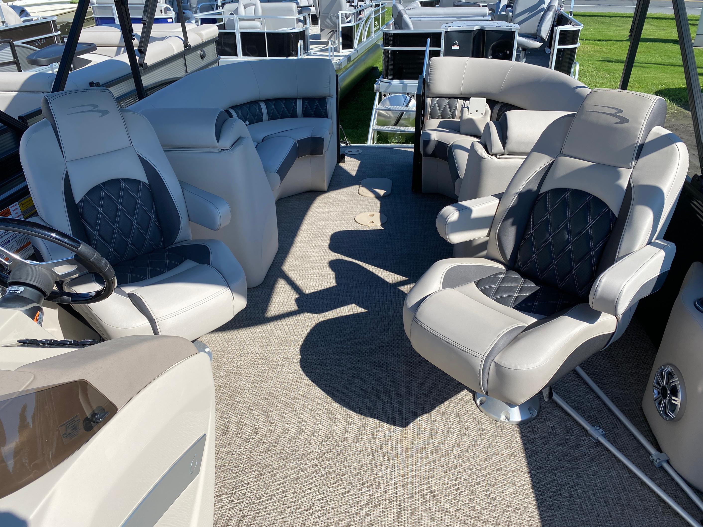 2019 Bennington boat for sale, model of the boat is 23 GSR & Image # 8 of 10