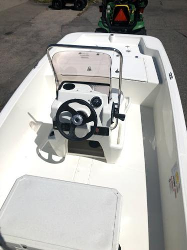 2021 Mako boat for sale, model of the boat is SKIFF 15CC & Image # 2 of 8