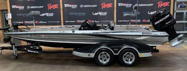 2012 Triton boat for sale, model of the boat is 21 XS & Image # 1 of 16