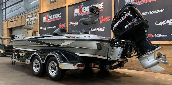 2012 Triton boat for sale, model of the boat is 21 XS & Image # 2 of 16