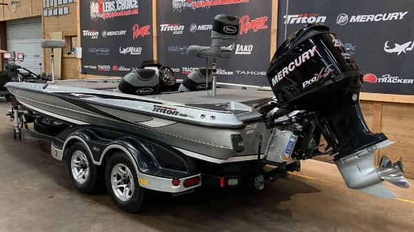 2012 Triton boat for sale, model of the boat is 21 XS & Image # 3 of 16