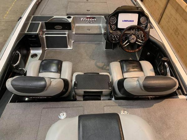 2012 Triton boat for sale, model of the boat is 21 XS & Image # 7 of 16