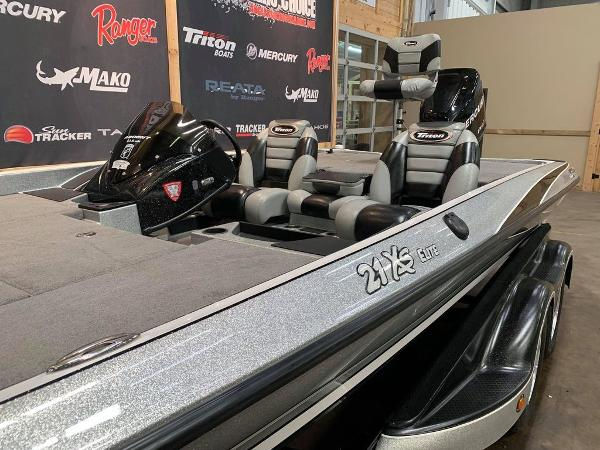2012 Triton boat for sale, model of the boat is 21 XS & Image # 8 of 16