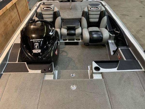 2012 Triton boat for sale, model of the boat is 21 XS & Image # 9 of 16