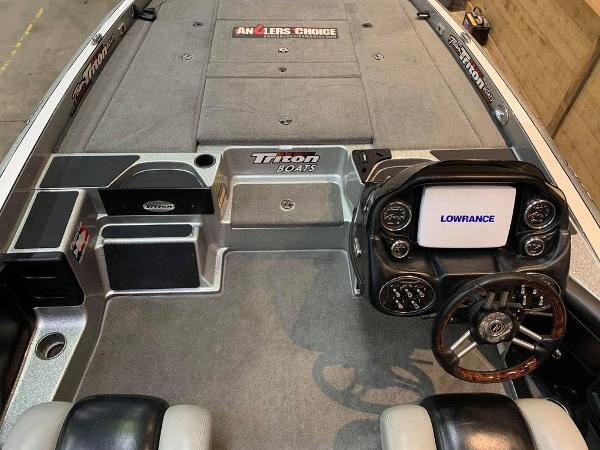 2012 Triton boat for sale, model of the boat is 21 XS & Image # 10 of 16