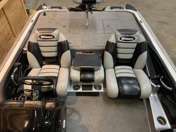 2012 Triton boat for sale, model of the boat is 21 XS & Image # 12 of 16