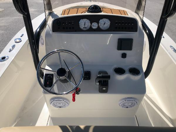 2021 Pioneer boat for sale, model of the boat is 180 Islander & Image # 17 of 24