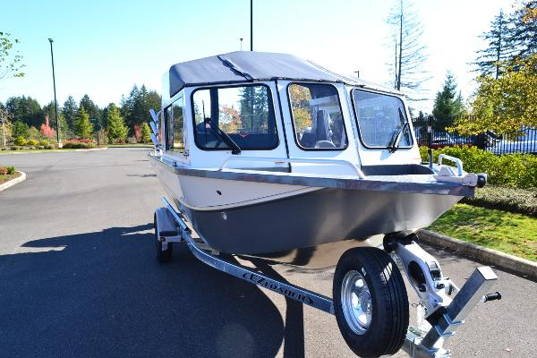2019 Spartan boat for sale, model of the boat is 185 Astoria & Image # 9 of 27