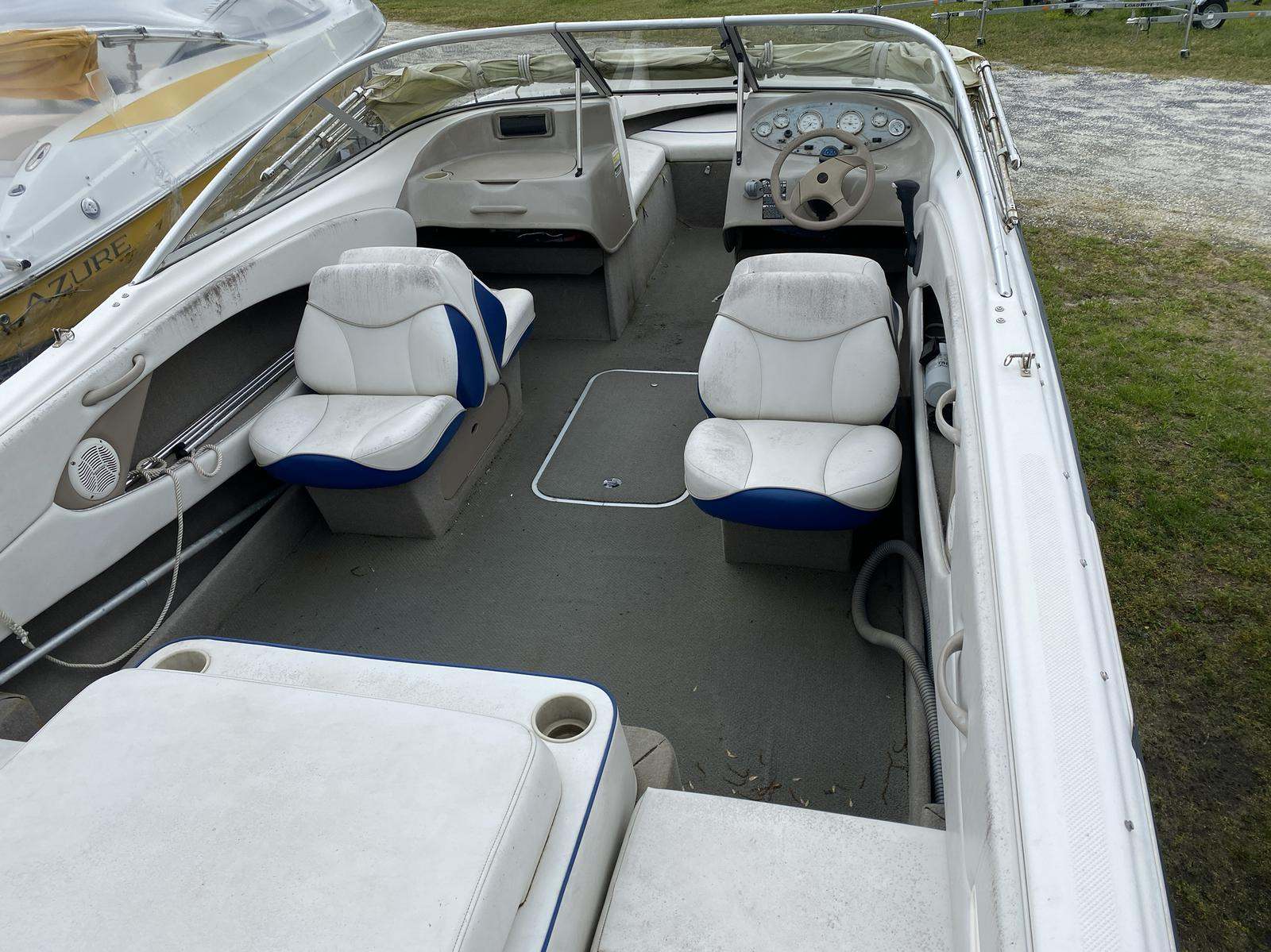 2004 Bayliner boat for sale, model of the boat is 215BR Classic21 & Image # 6 of 9