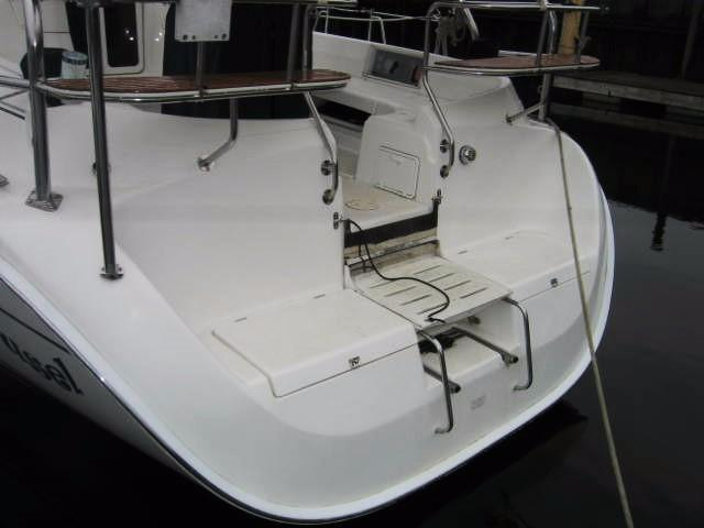 Walkthru Transom w/Swim Ladder & Stern Rail Seats