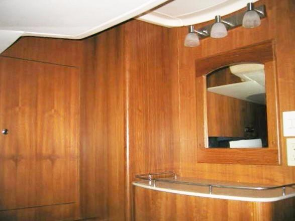 Aft Cabin Vanity Mirror & Lights
