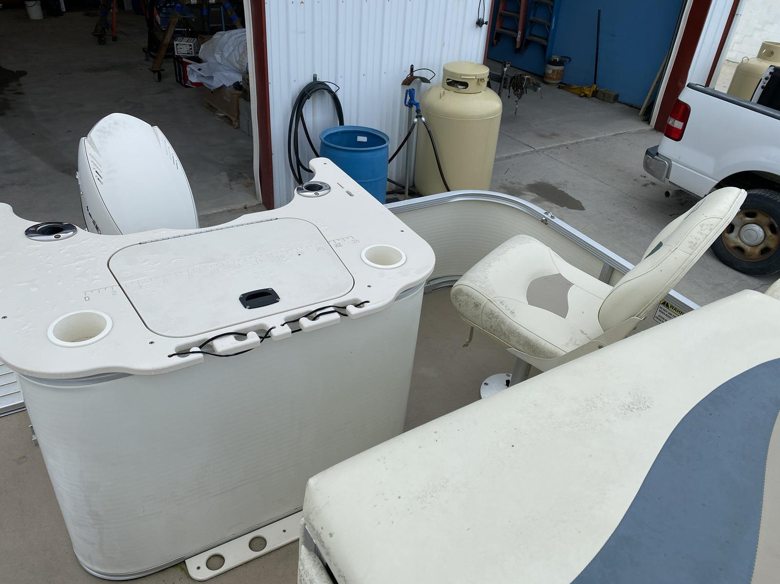 2008 Bennington boat for sale, model of the boat is 2075GSi Pontoon & Image # 7 of 13