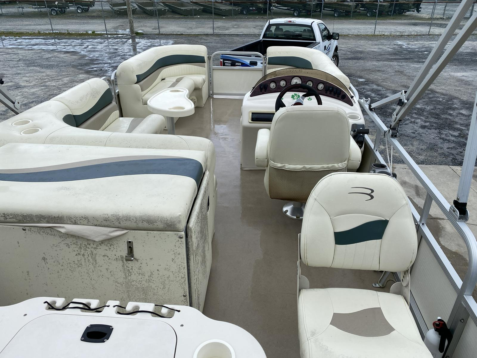 2008 Bennington boat for sale, model of the boat is 2075GSi Pontoon & Image # 9 of 13