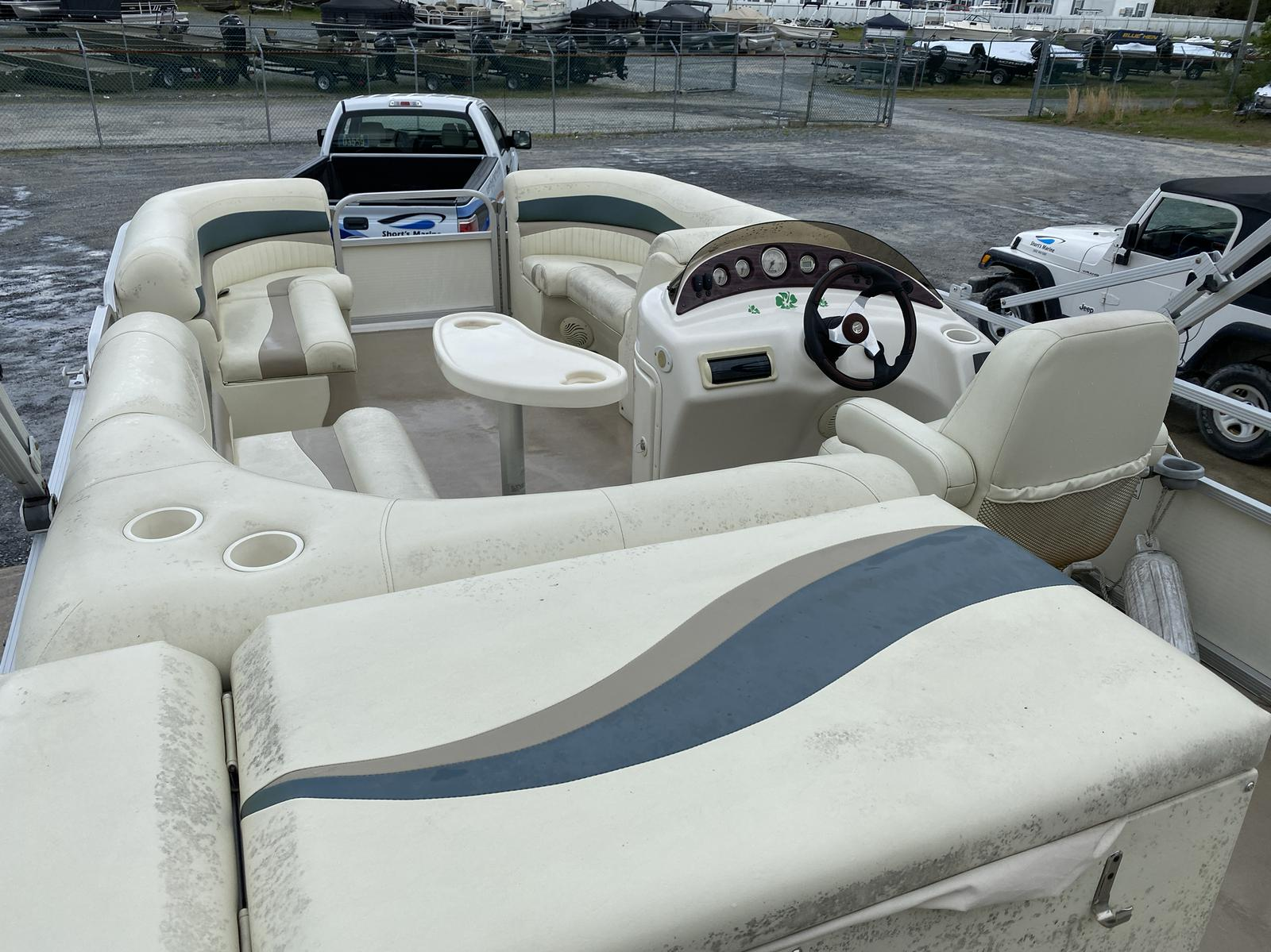 2008 Bennington boat for sale, model of the boat is 2075GSi Pontoon & Image # 3 of 13
