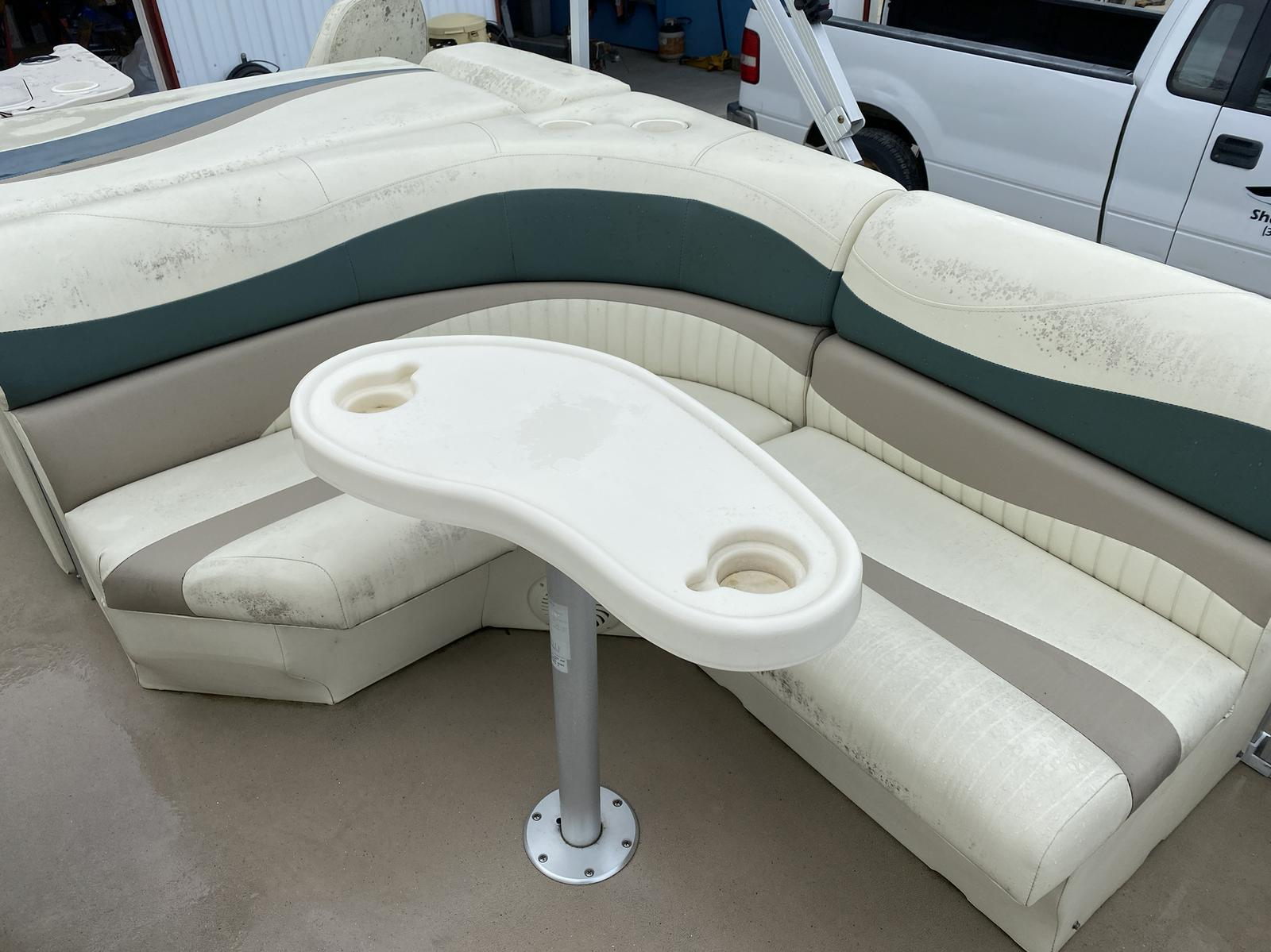 2008 Bennington boat for sale, model of the boat is 2075GSi Pontoon & Image # 12 of 13