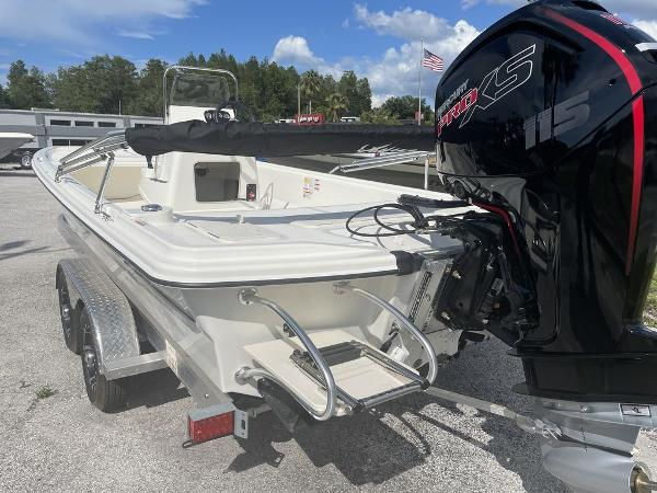 2021 Mako boat for sale, model of the boat is Pro Skiff 19 CC & Image # 6 of 7