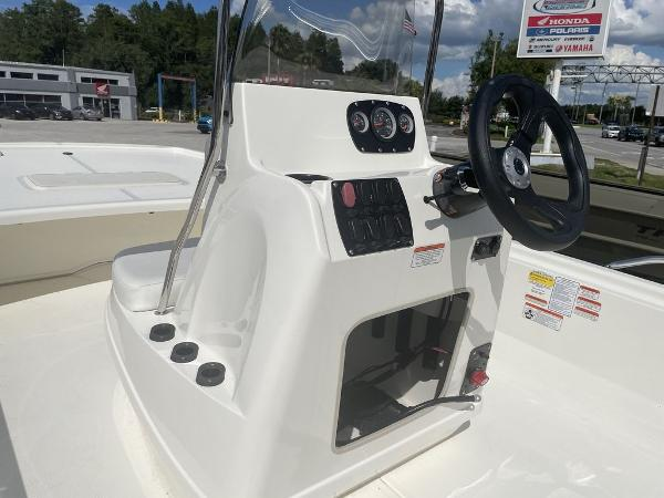 2021 Mako boat for sale, model of the boat is Pro Skiff 19 CC & Image # 7 of 7