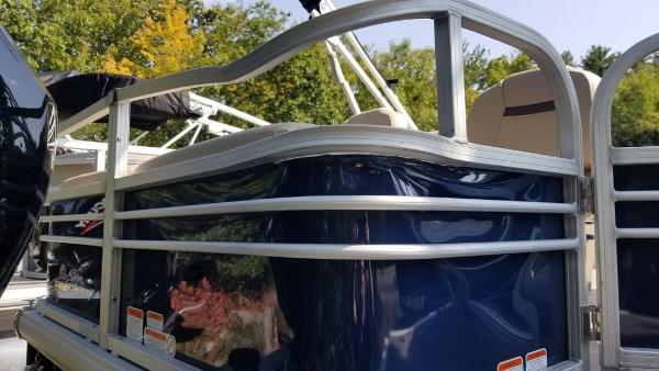 2020 Sun Tracker boat for sale, model of the boat is SF 22 DLX & Image # 7 of 8