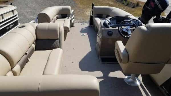 2020 Sun Tracker boat for sale, model of the boat is SF 22 DLX & Image # 8 of 8
