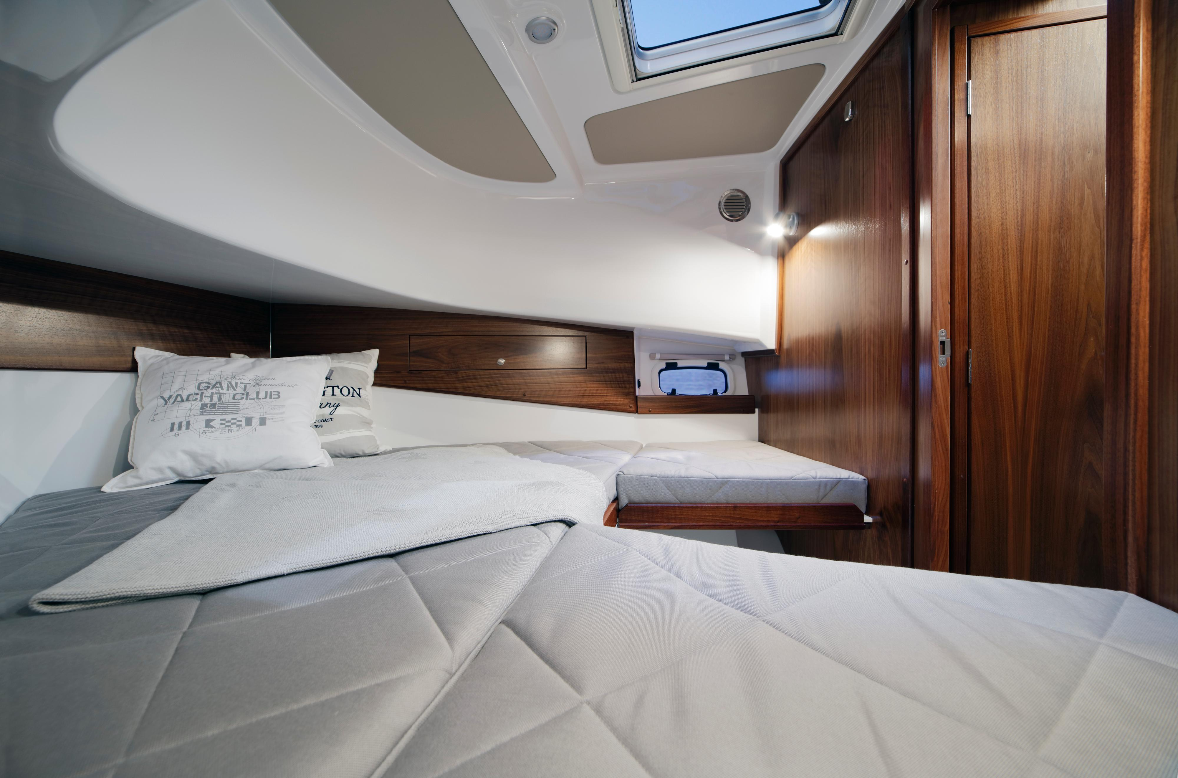 Sargo 31 Aft Door - forward cabin