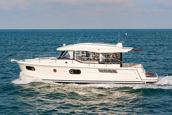 2021 Beneteau America Swift Trawler 41 Sedan thumbnail