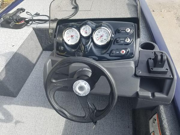 2021 Tracker Boats boat for sale, model of the boat is Pro 170 & Image # 3 of 17