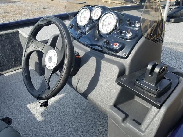 2021 Tracker Boats boat for sale, model of the boat is Pro 170 & Image # 7 of 17