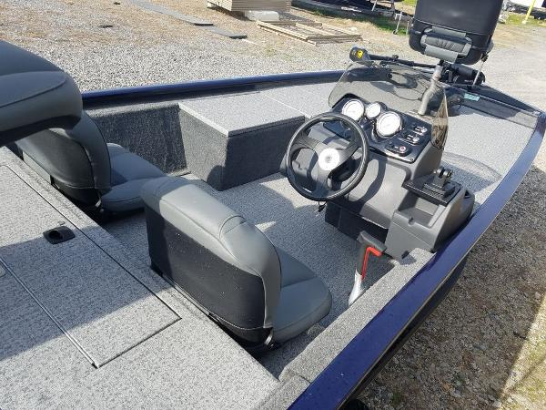 2021 Tracker Boats boat for sale, model of the boat is Pro 170 & Image # 9 of 17