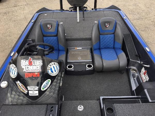 2018 Ranger Boats boat for sale, model of the boat is Z520L & Image # 10 of 21