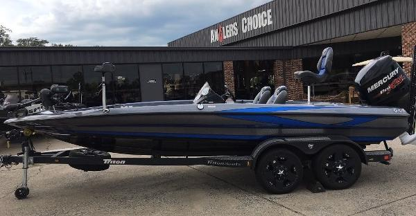 2018 Ranger Boats boat for sale, model of the boat is Z520L & Image # 1 of 21