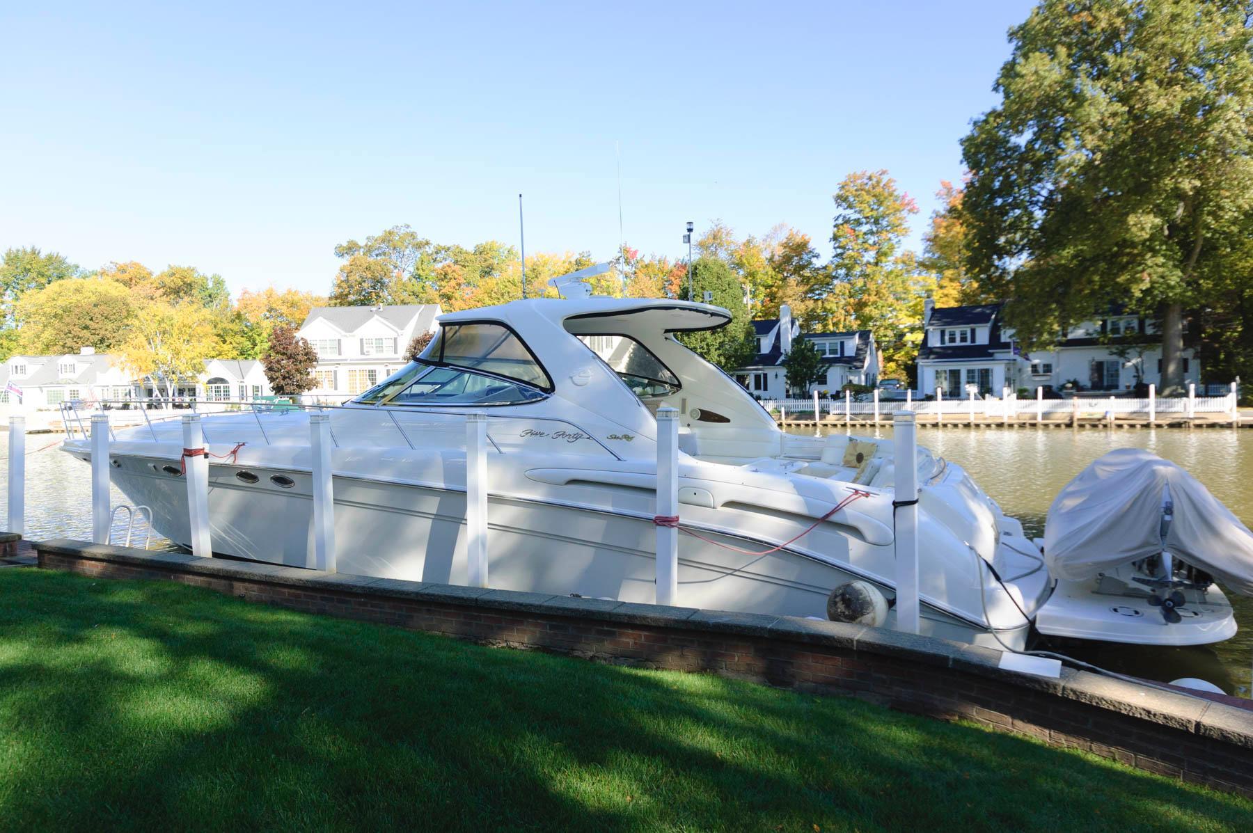 O 5745 HG Knot 10 Yacht Sales