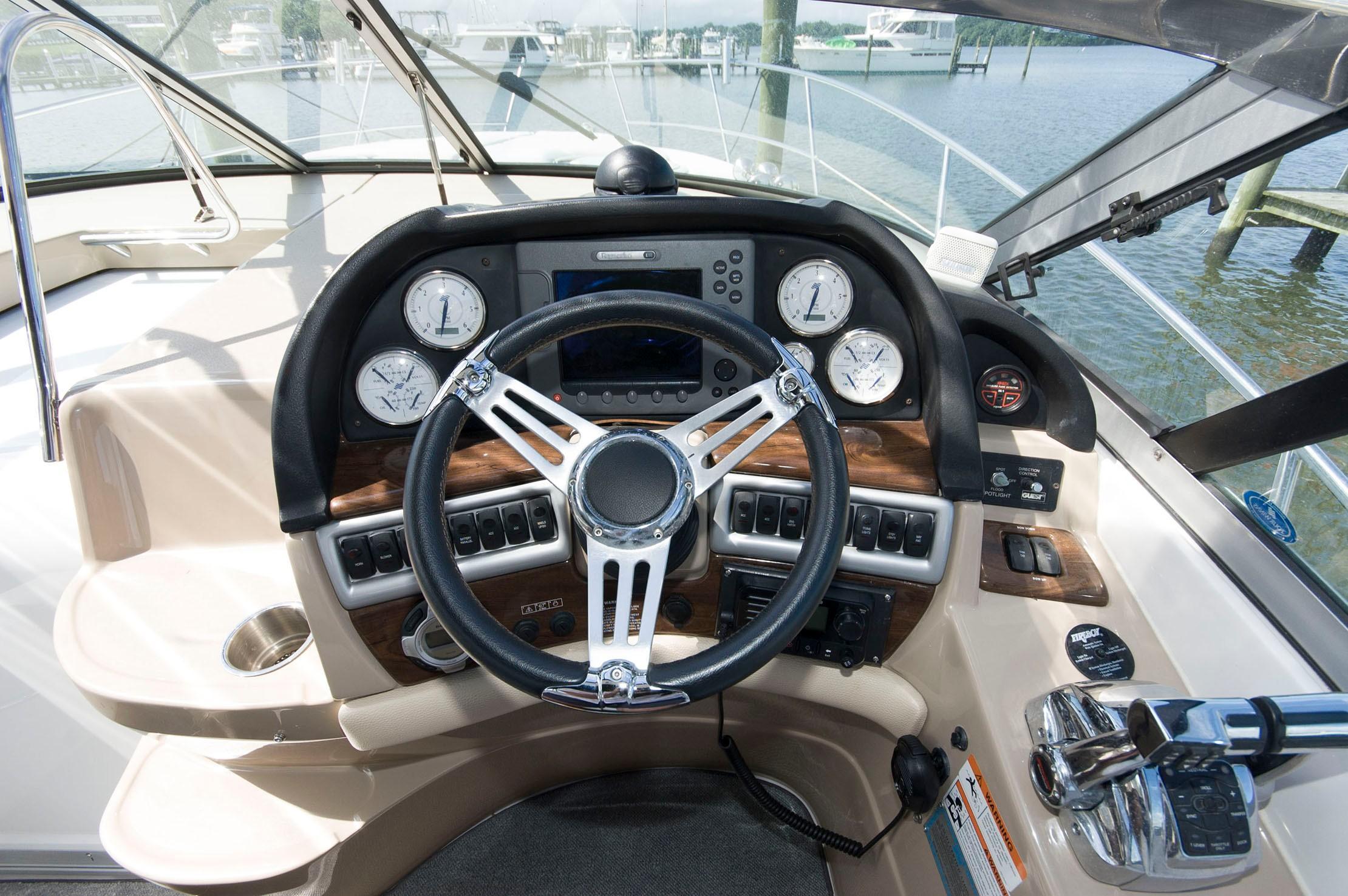 M 5290 TW Knot 10 Yacht Sales