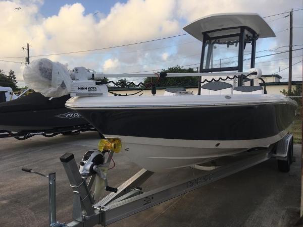 2021 Robalo 246 Cayman thumbnail
