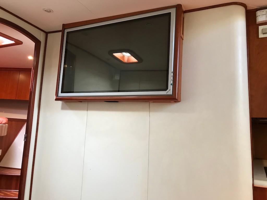 Main Salon LCD TV