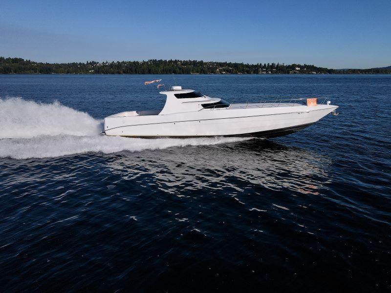 2010 Phantom Express Cruiser