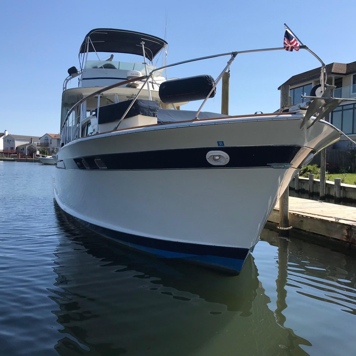 NY 6071 KM Knot 10 Yacht Sales