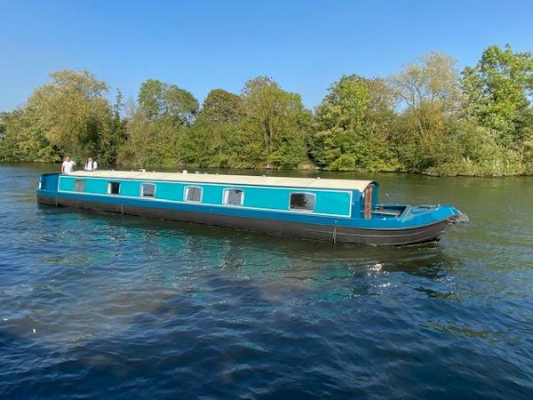 Aqualine Canterbury 68x12
