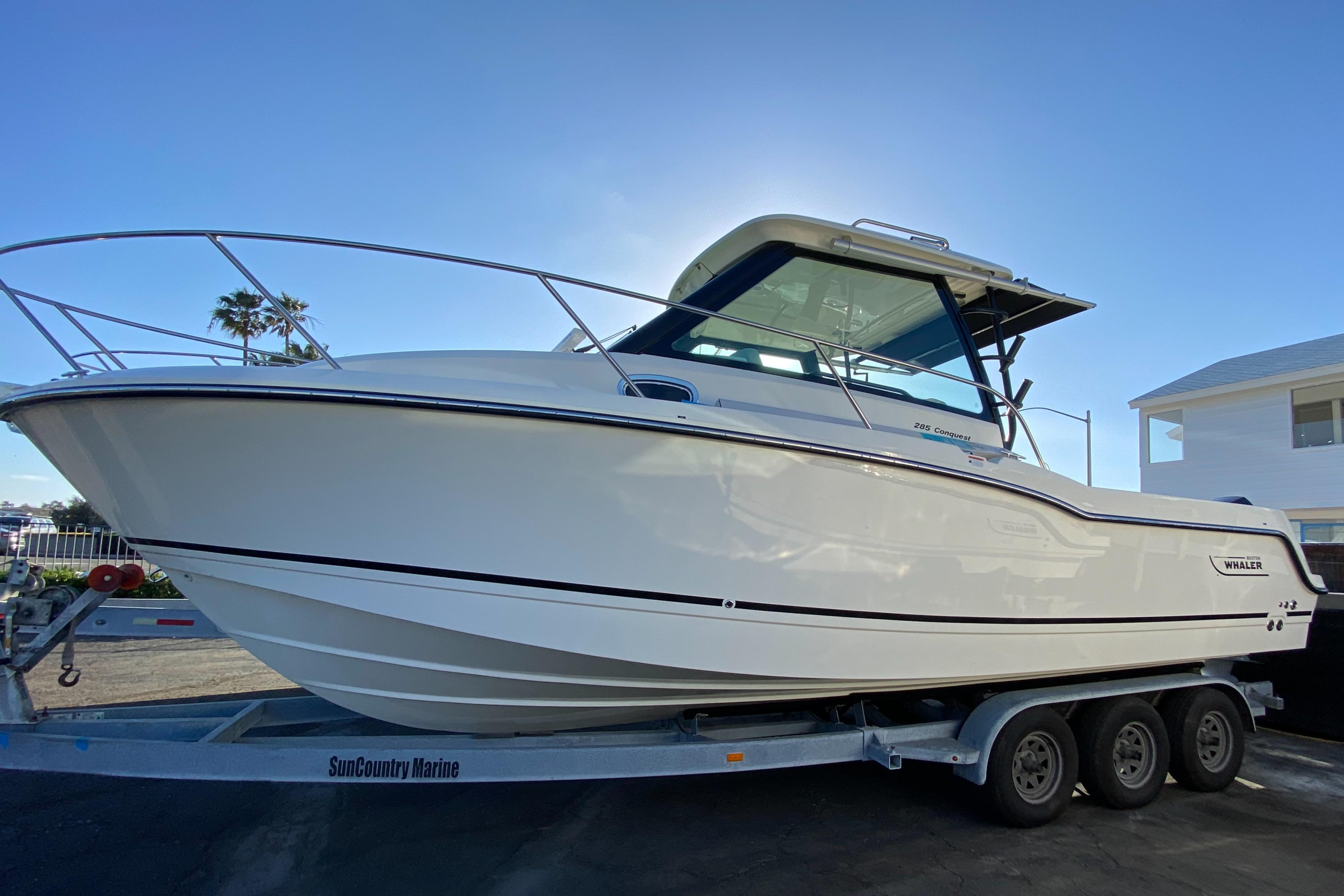 2021 Boston Whaler 285 Conquest #BW1643A primary image