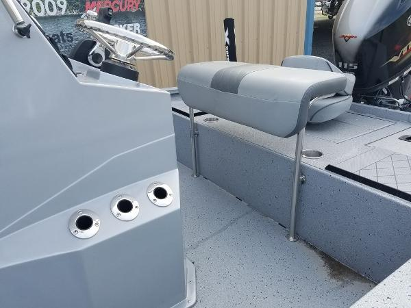 2021 Xpress boat for sale, model of the boat is H190B & Image # 8 of 13